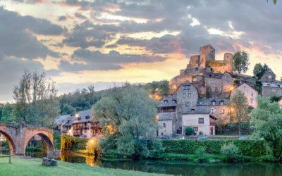 Chateau de Belcastel (12) (sur les gorges de l'Aveyron)